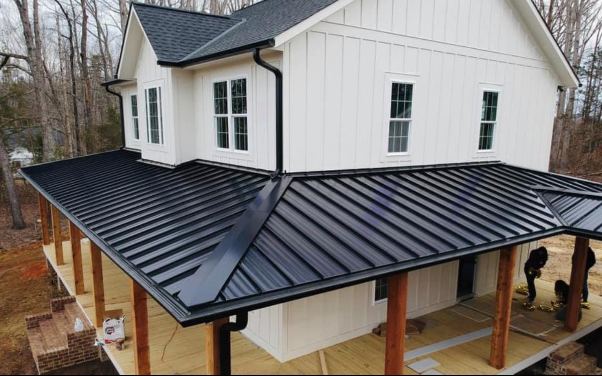 pemasangan bumbung besi